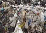rifiuti plastici piccola